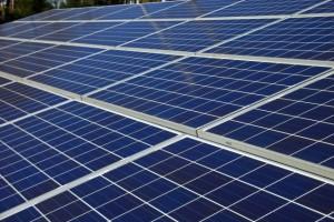 売電目的の産業用太陽光発電設置による法人税減税の打ち切り